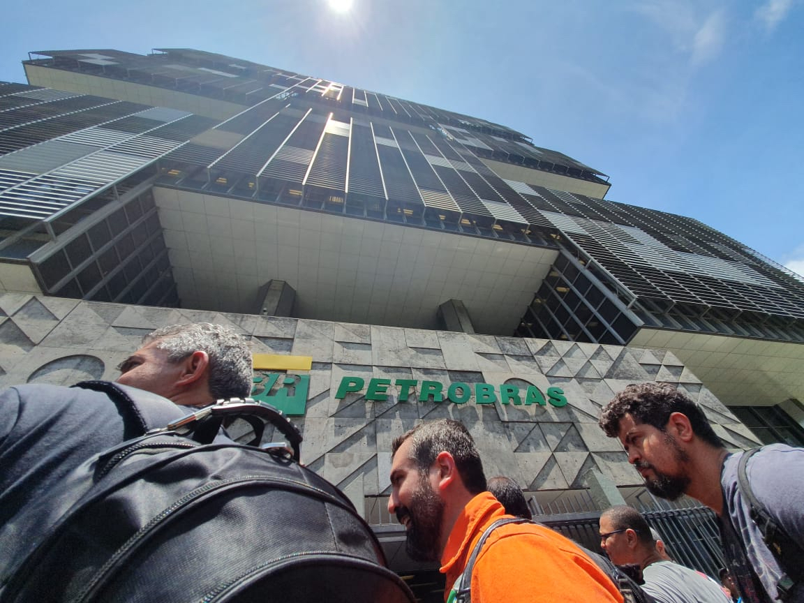 Privatômetro   Direção da Petrobrás já privatizou R$ 198 bilhões nos últimos seis anos